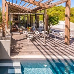 Piscine, terrasse, détente - Chambre d'hôtes -