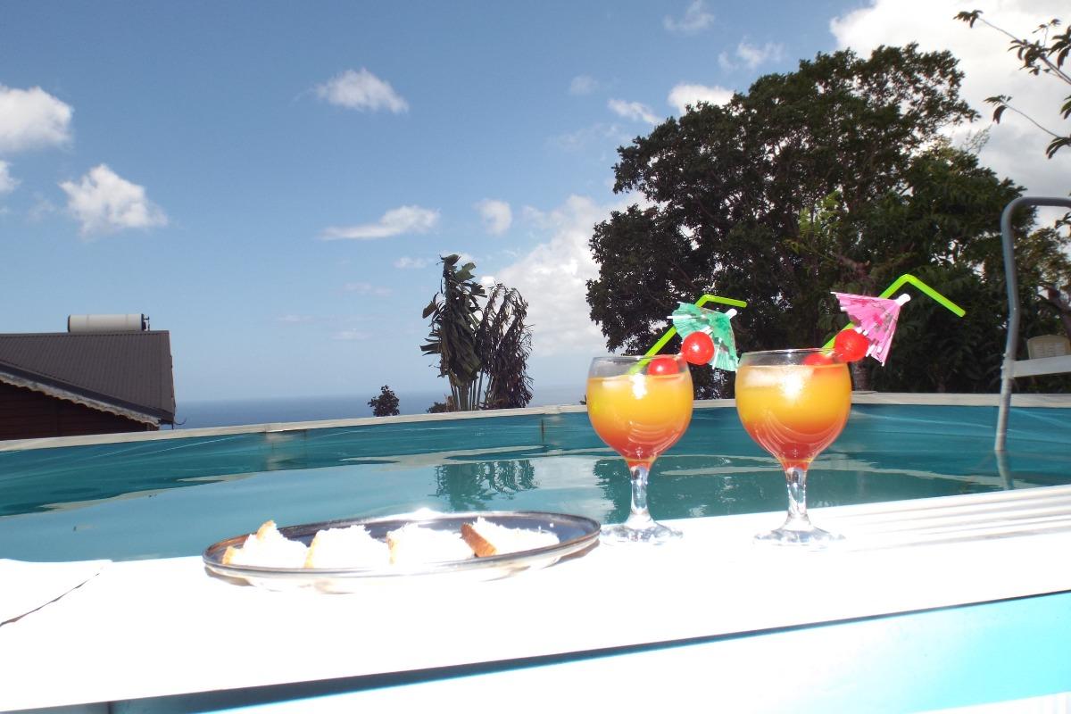 Un cocktail et des toasts au Marlin avant de tremper dans la piscine? - Location de vacances - Pointe-Noire