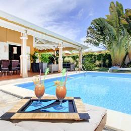 piscine et terrasse - Location de vacances - Saint-François