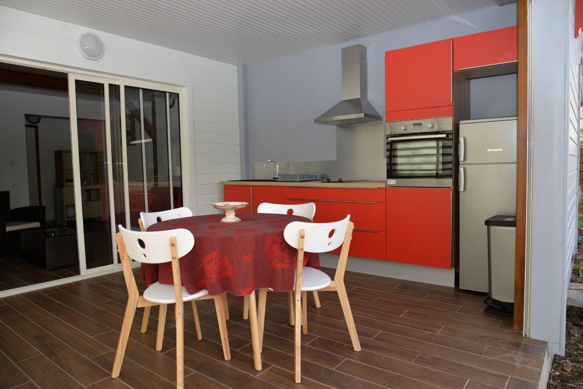 veranda avec cuisine aménagée - Location de vacances - Sainte-Anne