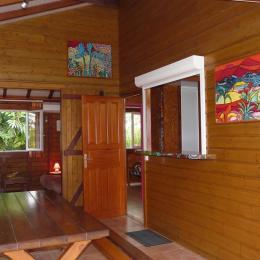 Terrasse du gite Antilles aux gites Lamatéliane, location de vacances en Guadeloupe. - Location de vacances - Capesterre-Belle-Eau