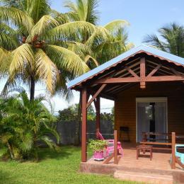 Terrasse du gite Caraïbes aux gites Lamatéliane, location de vacances en Guadeloupe. - Location de vacances - Capesterre-Belle-Eau