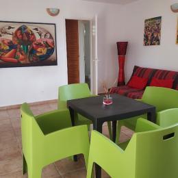 Vue salon/salle à manger - Location de vacances - Deshaies