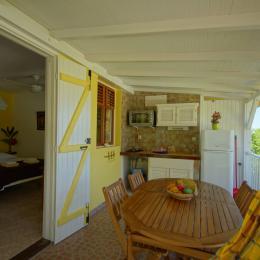 La cuisine, la chambre - Location de vacances -