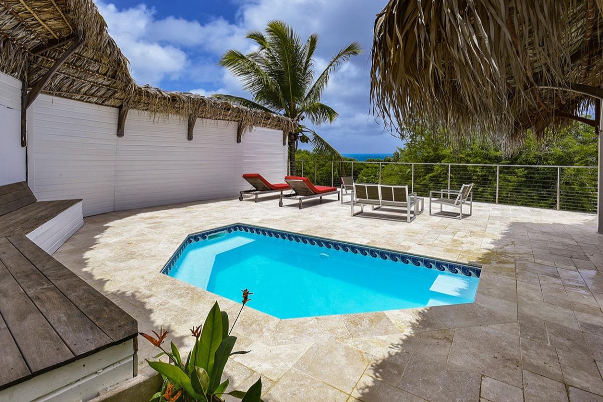 Piscine privée et vue mer http://www.locations-vue-turquoise.com/index.php?p=accueil - Location de vacances - La Trinité