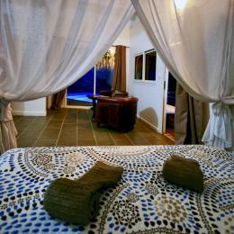 L'espace cuisine et repas http://www.locations-vue-turquoise.com/index.php?p=accueil - Location de vacances - La Trinité