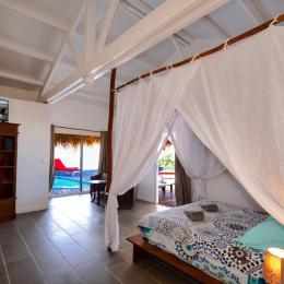 La cuisine ouverte en extérieur http://www.locations-vue-turquoise.com/index.php?p=accueil - Location de vacances - La Trinité
