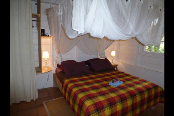 la +petite chambre la madras  avec son salon exterieur - Chambre d'hôtes - Le Diamant
