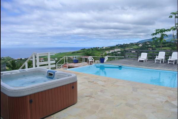 piscine et vue - Location de vacances - Le Carbet
