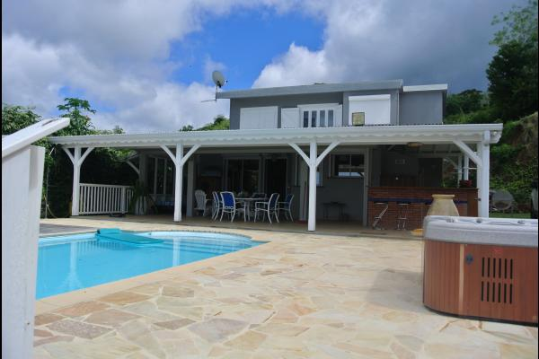 la villa Calypso Sunset  - Location de vacances - Le Carbet