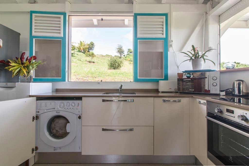 machine à laver cuisine - Location de vacances - Le Marin