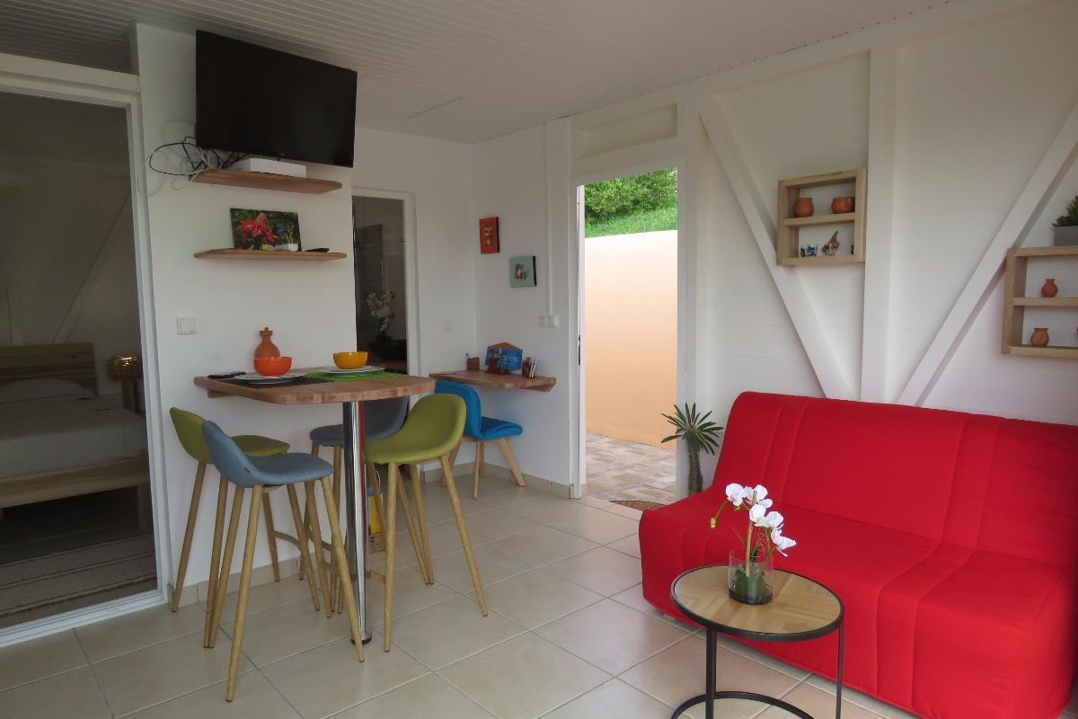 le coin salon  - Location de vacances - Les Trois-Îlets