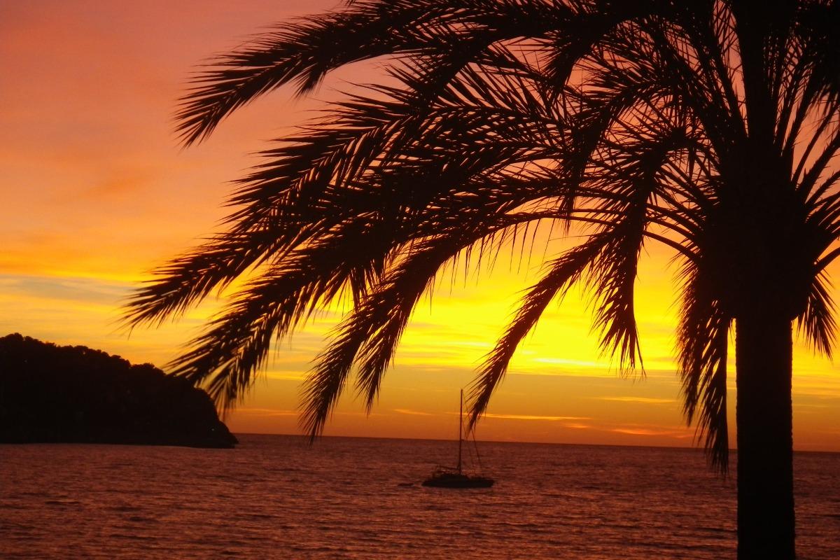 Coucher de soleil dans la baie - Location de vacances - Les Anses-d'Arlet