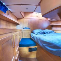 Cabine arrière lumineuse avec lit double - Location de vacances - Les Anses-d'Arlet