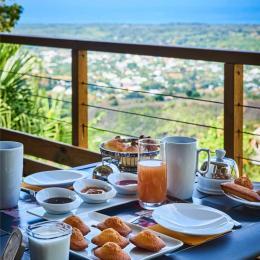 petit déjeuner - Chambre d'hôtes - L'Étang-Salé