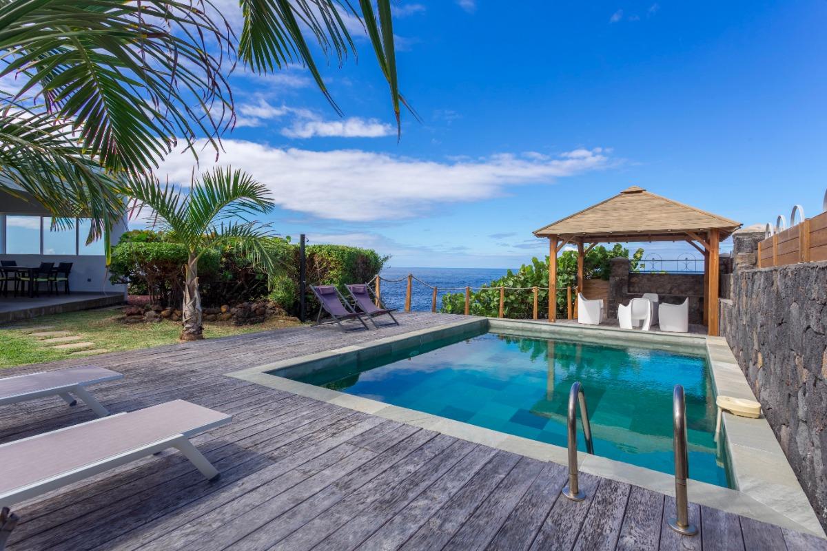 Coin piscine - Location de vacances - Saint-Pierre