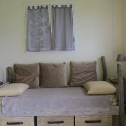 Le lit individuel - canapé - Location de vacances - Saint-Leu
