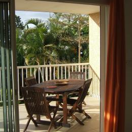 Terrasse vue du salon - Location de vacances -  Saint Gilles Les Hauts