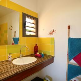 Bungalow Bois avec jacuzzi privatif - Poz Lagon chambre d'hôtes la Saline les bains - Chambre d'hôtes - Saint Gilles Les Bains