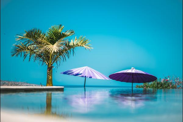 piscine en ardoise et à débordement - Location de vacances - Saint-Leu