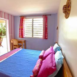Chambre 2 Latanier Rouge - lit 160 - Location de vacances - Saint-Leu