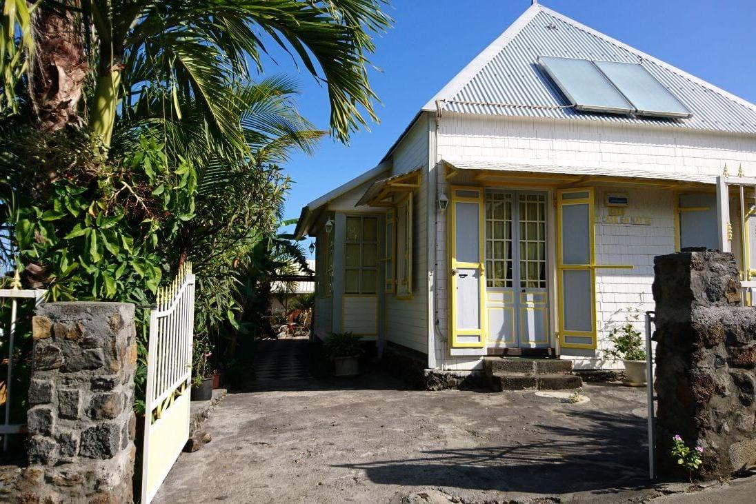 Entrée Zot Case en Natte - Location de vacances - L'Étang-Salé