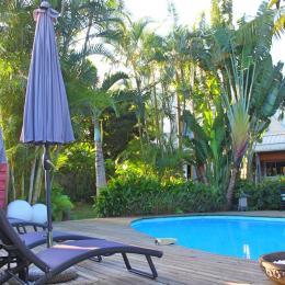 La piscine de la Villa Oté - Chambre d'hôtes - Entre-Deux