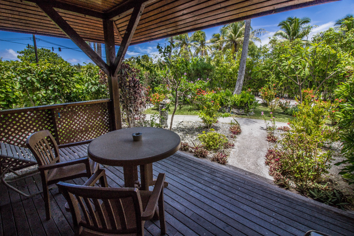Terrasse de chaque studio - Chambre d'hôtes - Rangiroa